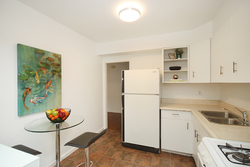 Kitchen at 10 - 46 Three Valleys Drive, Parkwoods-Donalda, Toronto