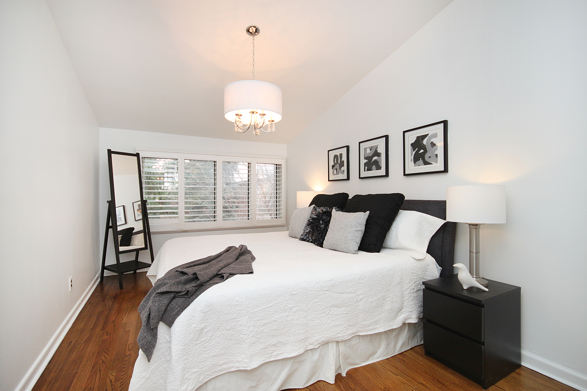 Primary Bedroom at 10 - 46 Three Valleys Drive, Parkwoods-Donalda, Toronto
