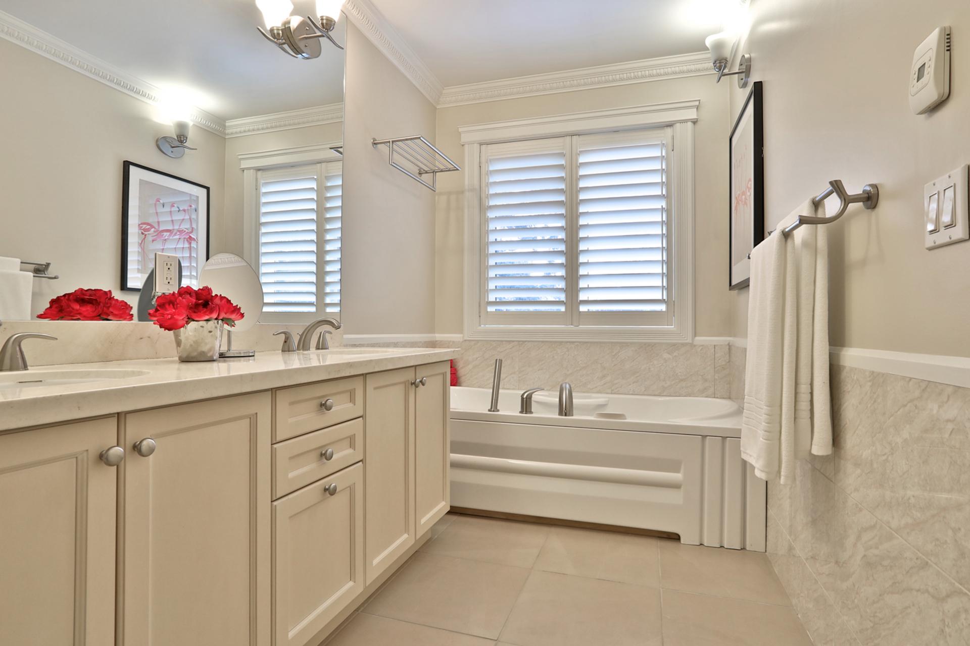 5 Piece Ensuite Bathroom at 54 Unsworth Avenue, Lawrence Park North, Toronto
