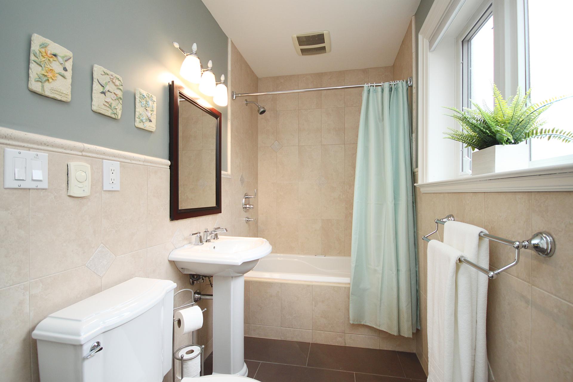 4 Piece Bathroom at 38 Addison Crescent, Banbury-Don Mills, Toronto