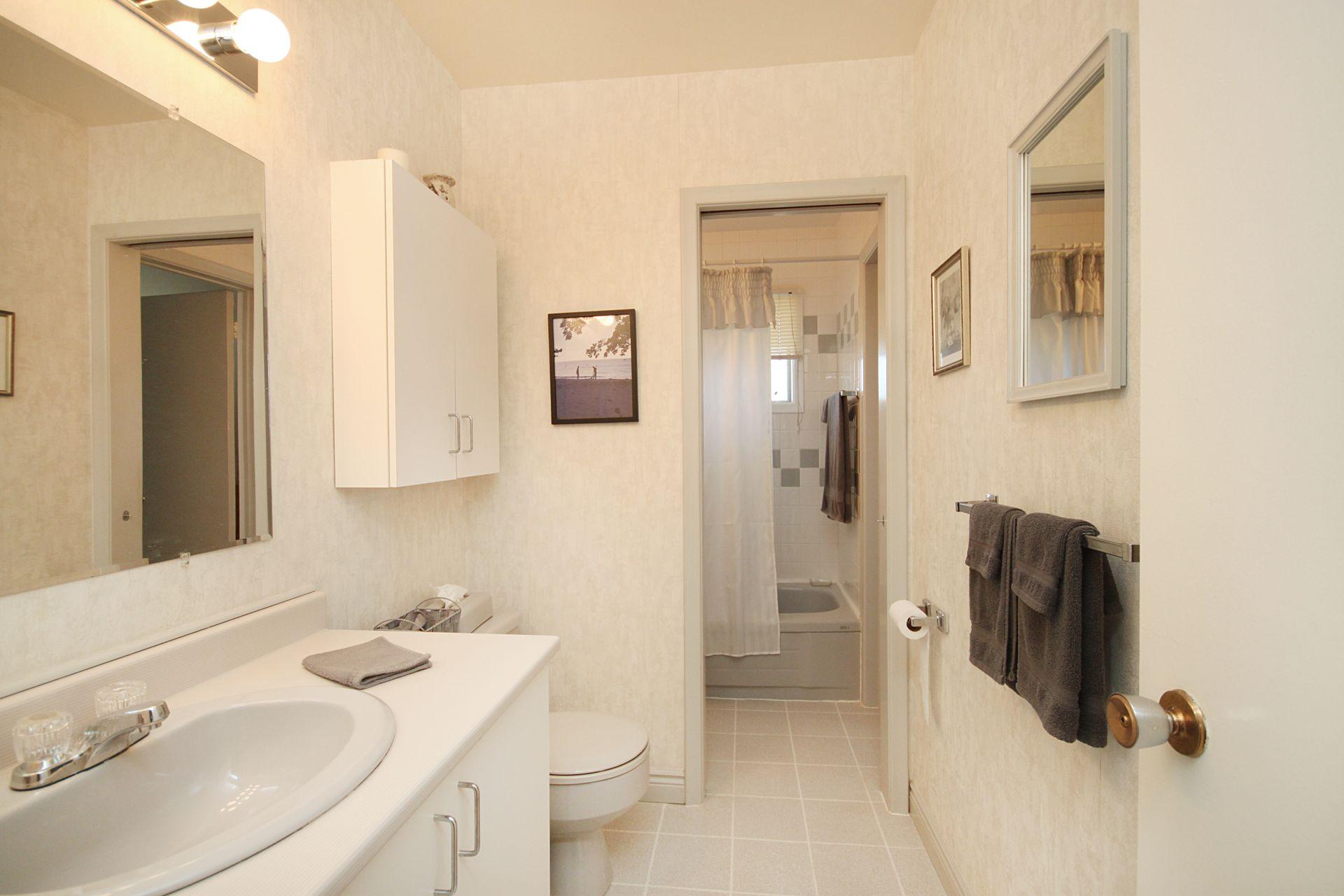5 Piece Bathroom at 55 Roanoke Road, Parkwoods-Donalda, Toronto