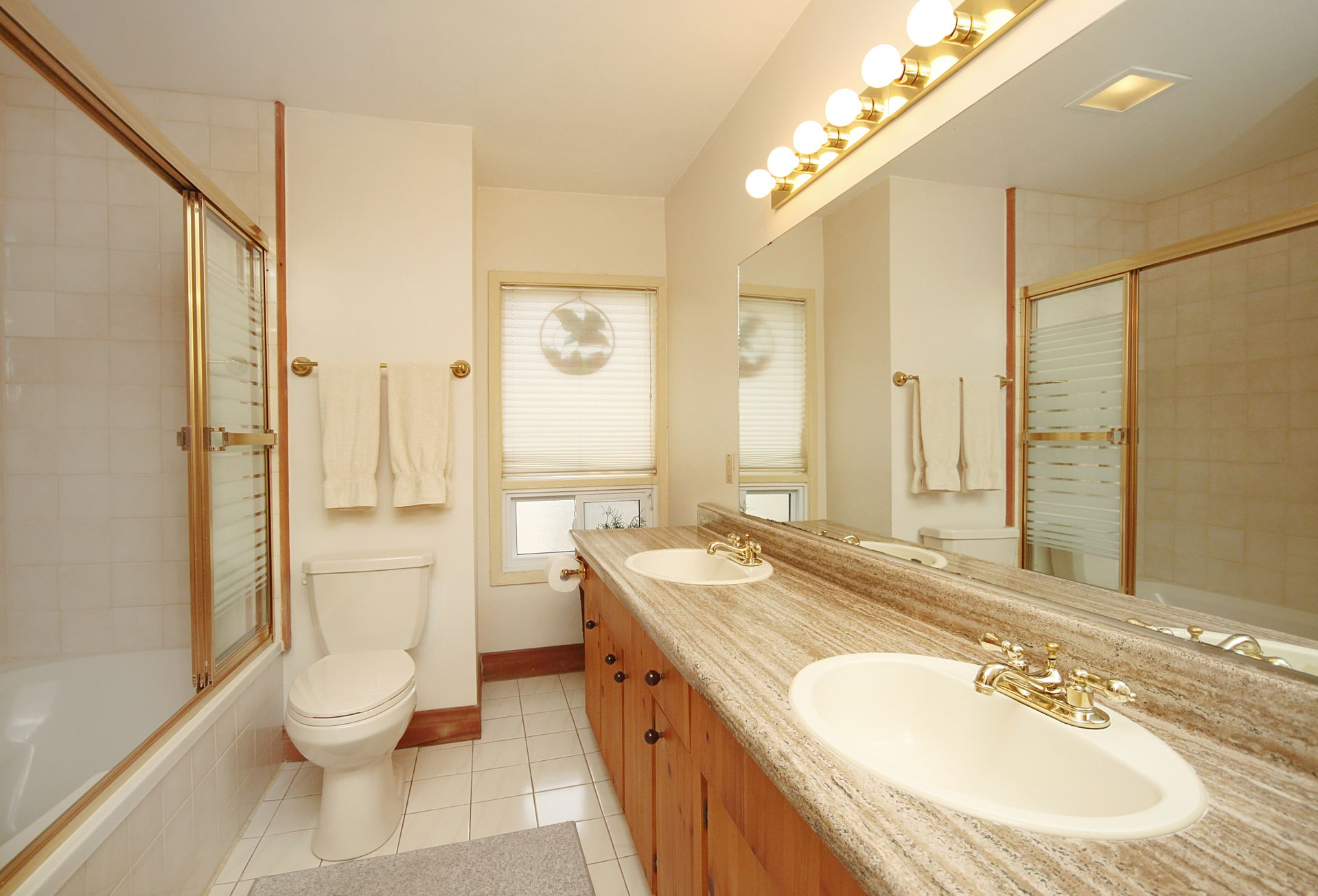 5 Piece Semi-Ensuite Bathroom at 21 West Avenue, South Riverdale, Toronto
