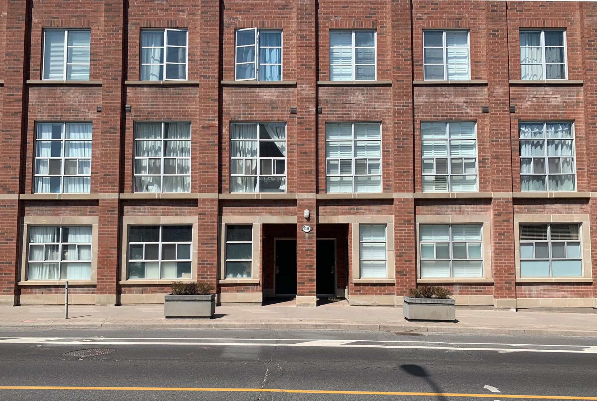 TH3 - 1388 Bloor Street W, Dovercourt-Wallace Emerson-Junction, Toronto
