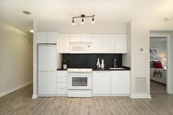 Kitchen at 632 - 15 Iceboat Terrace, Waterfront Communities C1, Toronto