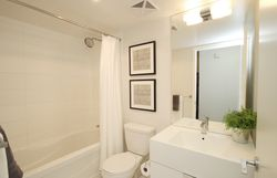 4 Piece Bathroom at 632 - 15 Iceboat Terrace, Waterfront Communities C1, Toronto