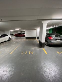 Parking at 632 - 15 Iceboat Terrace, Waterfront Communities C1, Toronto