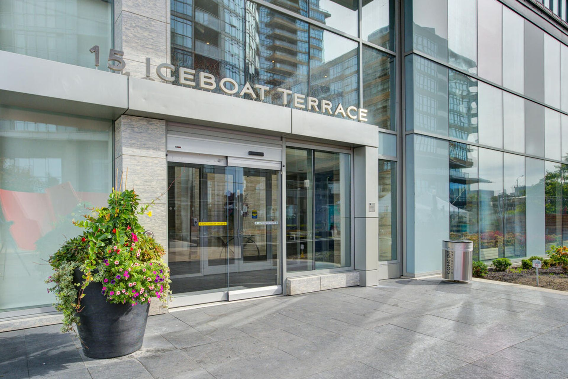 632 - 15 Iceboat Terrace, Waterfront Communities C1, Toronto