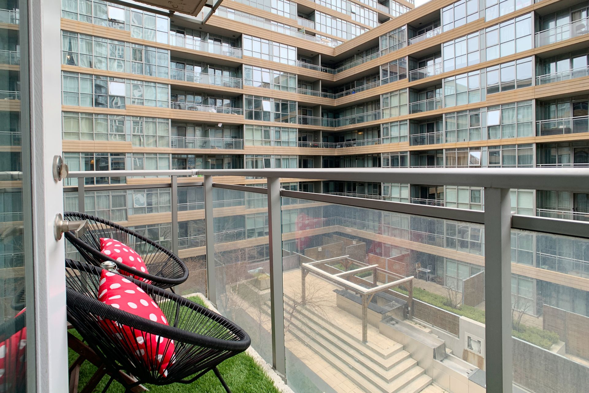 Balcony at 632 - 15 Iceboat Terrace, Waterfront Communities C1, Toronto
