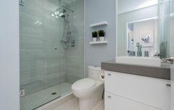 4 Piece Bathroom at 2810 - 33 Shore Breeze Drive, Mimico, Toronto