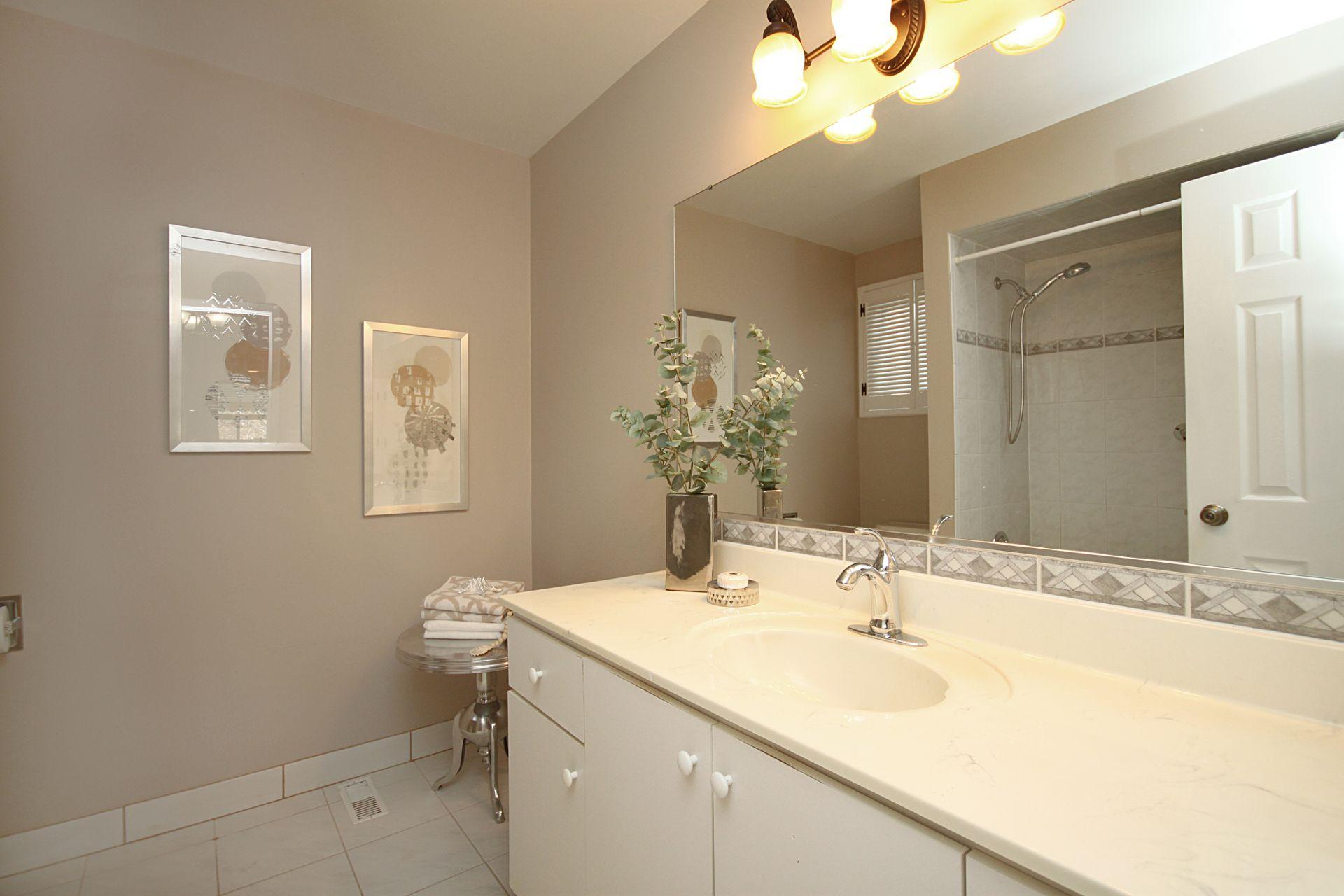 4 Piece Bathroom at 50 Rustywood Drive, Parkwoods-Donalda, Toronto