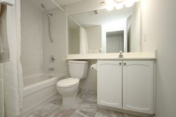 4 Piece Bathroom at 701 - 228 Queens Quay W, Waterfront Communities C1, Toronto