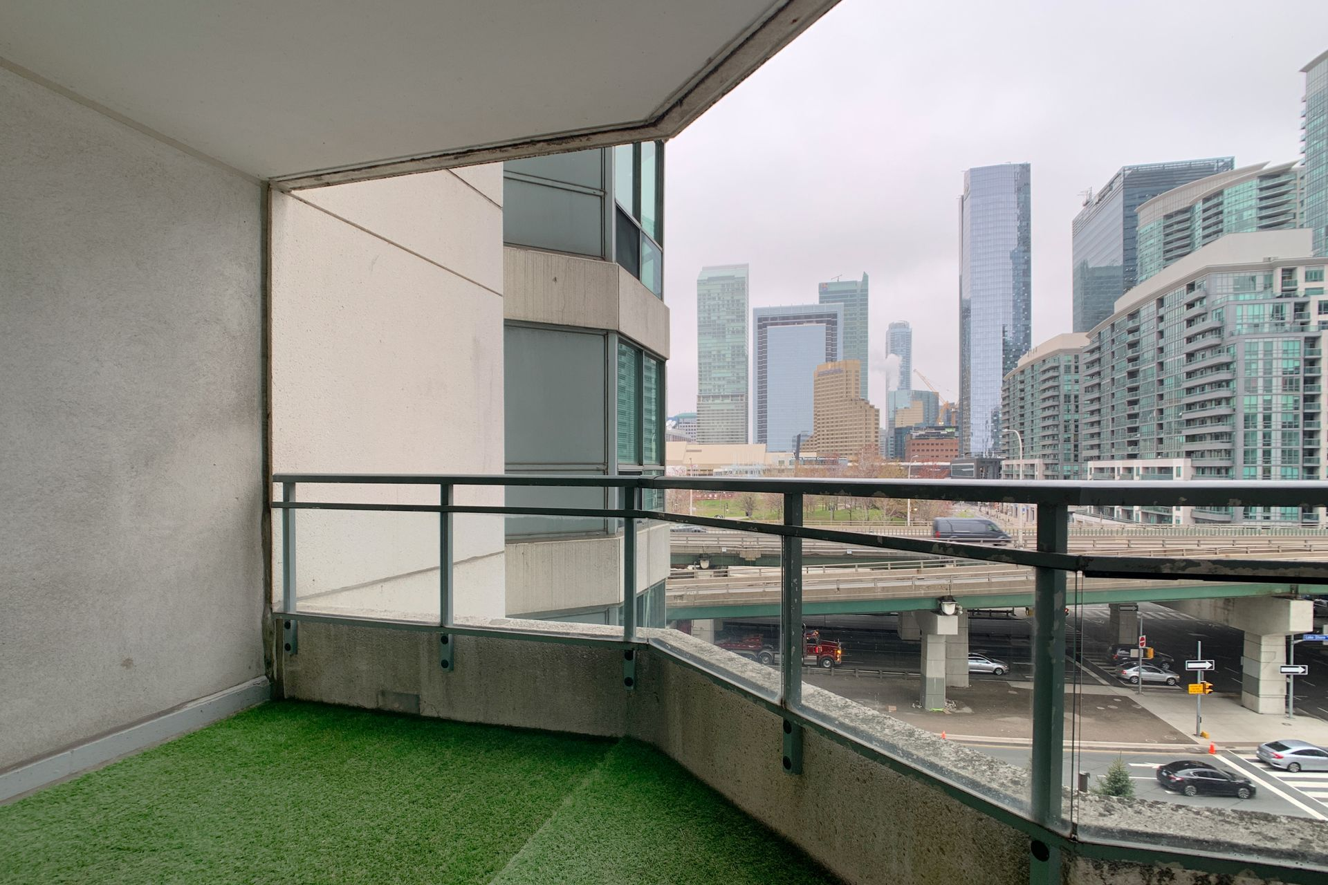 Balcony at 701 - 228 Queens Quay W, Waterfront Communities C1, Toronto