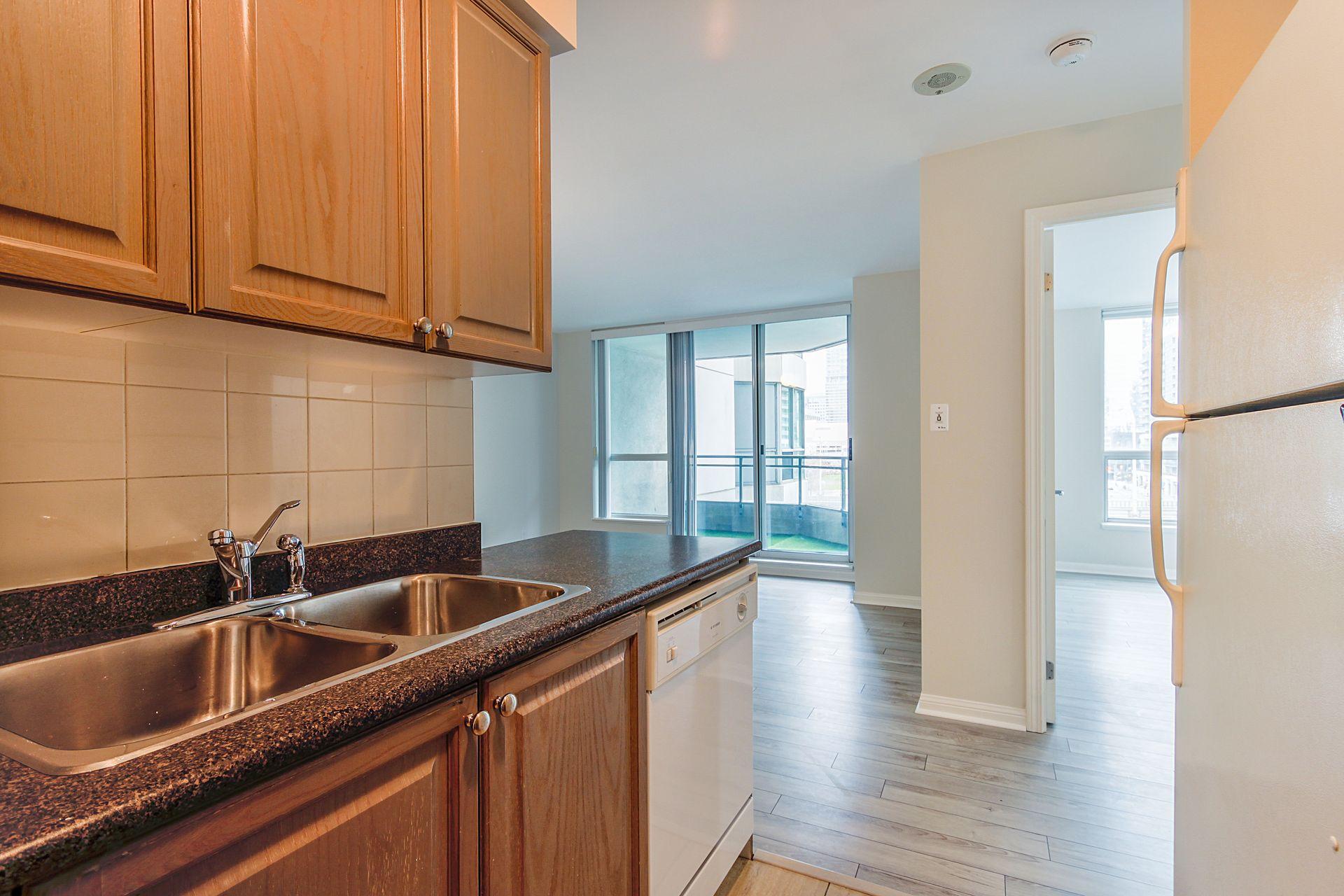 Kitchen at 701 - 228 Queens Quay W, Waterfront Communities C1, Toronto