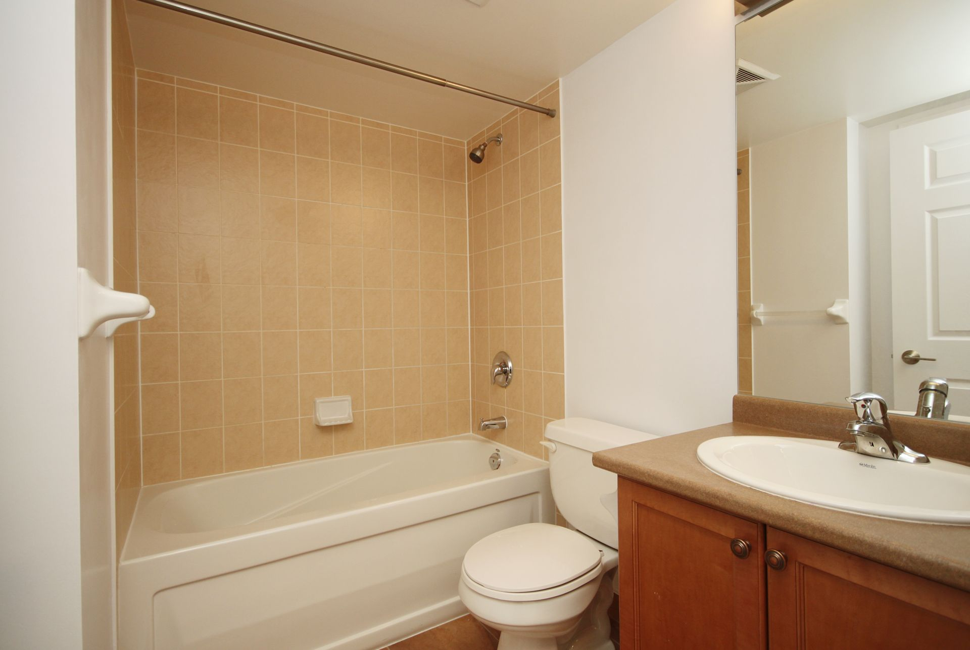 4 Piece Bathroom at 505 - 51 Lower Simcoe Street, Waterfront Communities C1, Toronto