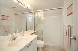 3 Piece Ensuite Bathroom at 1209 - 35 Finch Avenue, Willowdale East, Toronto