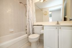 4 Piece Bathroom at 1209 - 35 Finch Avenue, Willowdale East, Toronto