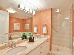 5 Piece Ensuite Bathroom at 914 - 38 William Carson Crescent, St. Andrew-Windfields, Toronto