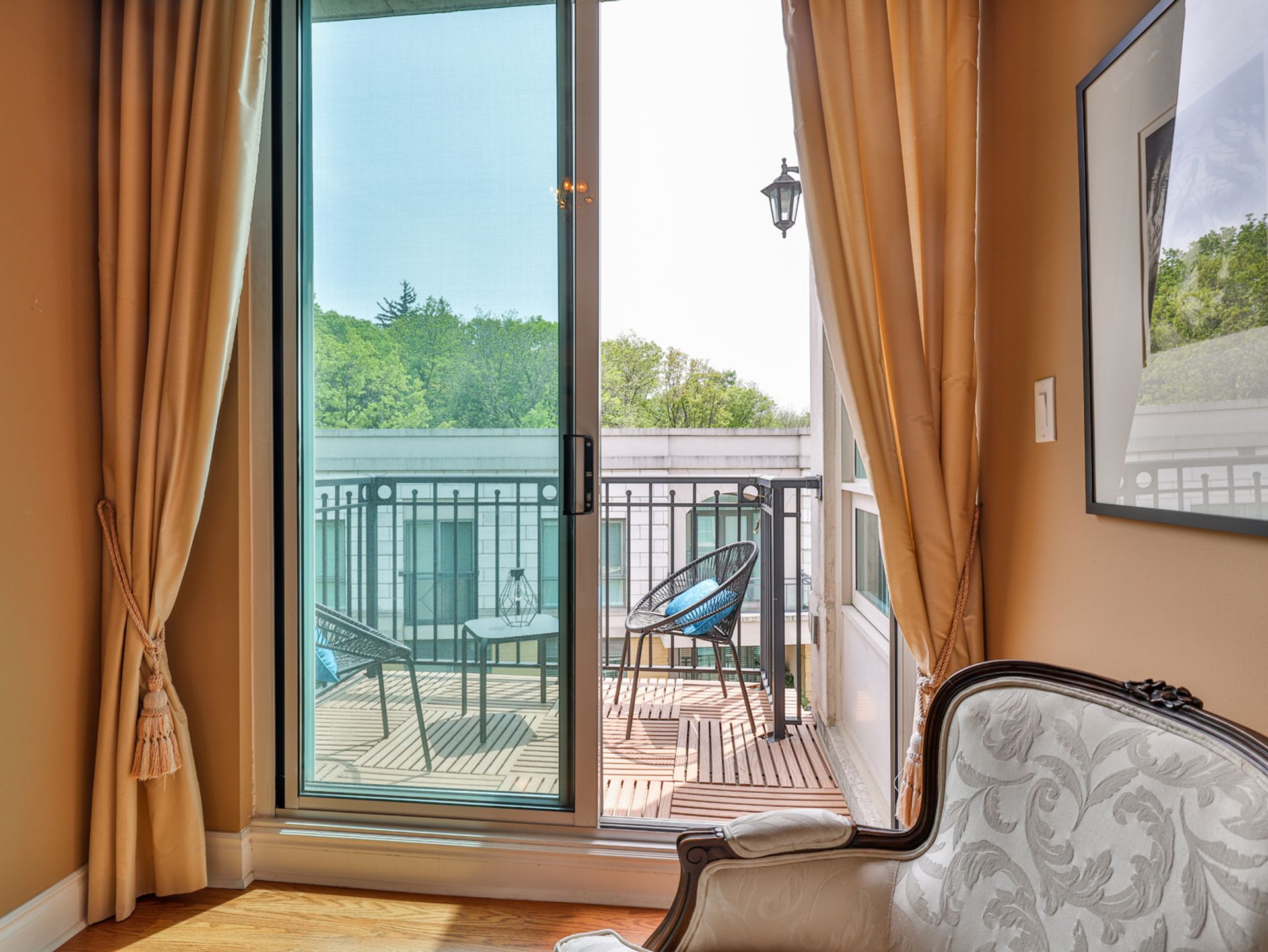 Den Balcony at 914 - 38 William Carson Crescent, St. Andrew-Windfields, Toronto