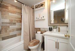 4 Piece Bathroom at 310 - 28 William Carson Crescent, St. Andrew-Windfields, Toronto