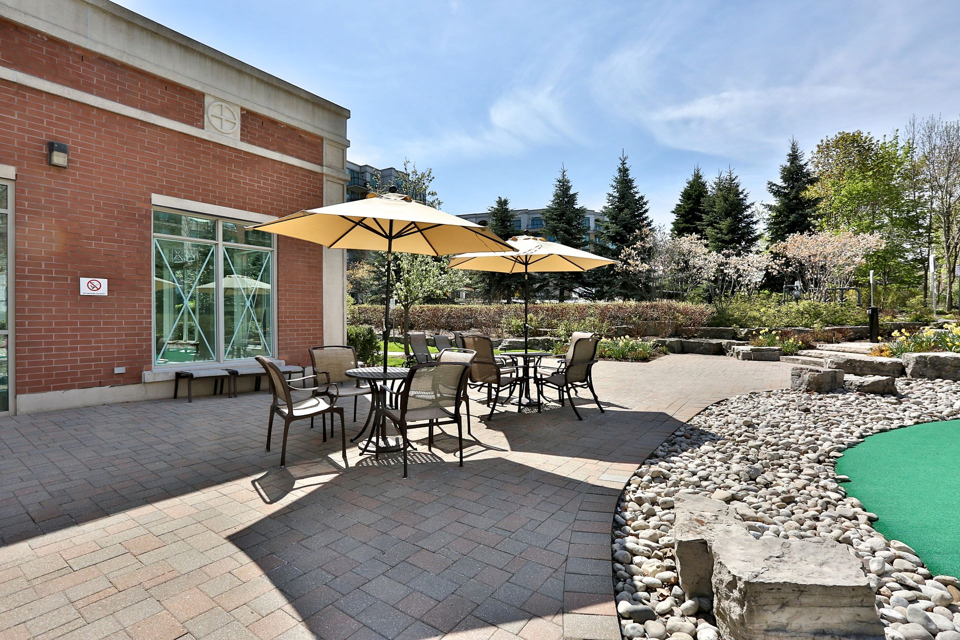 Amenities at 310 - 28 William Carson Crescent, St. Andrew-Windfields, Toronto
