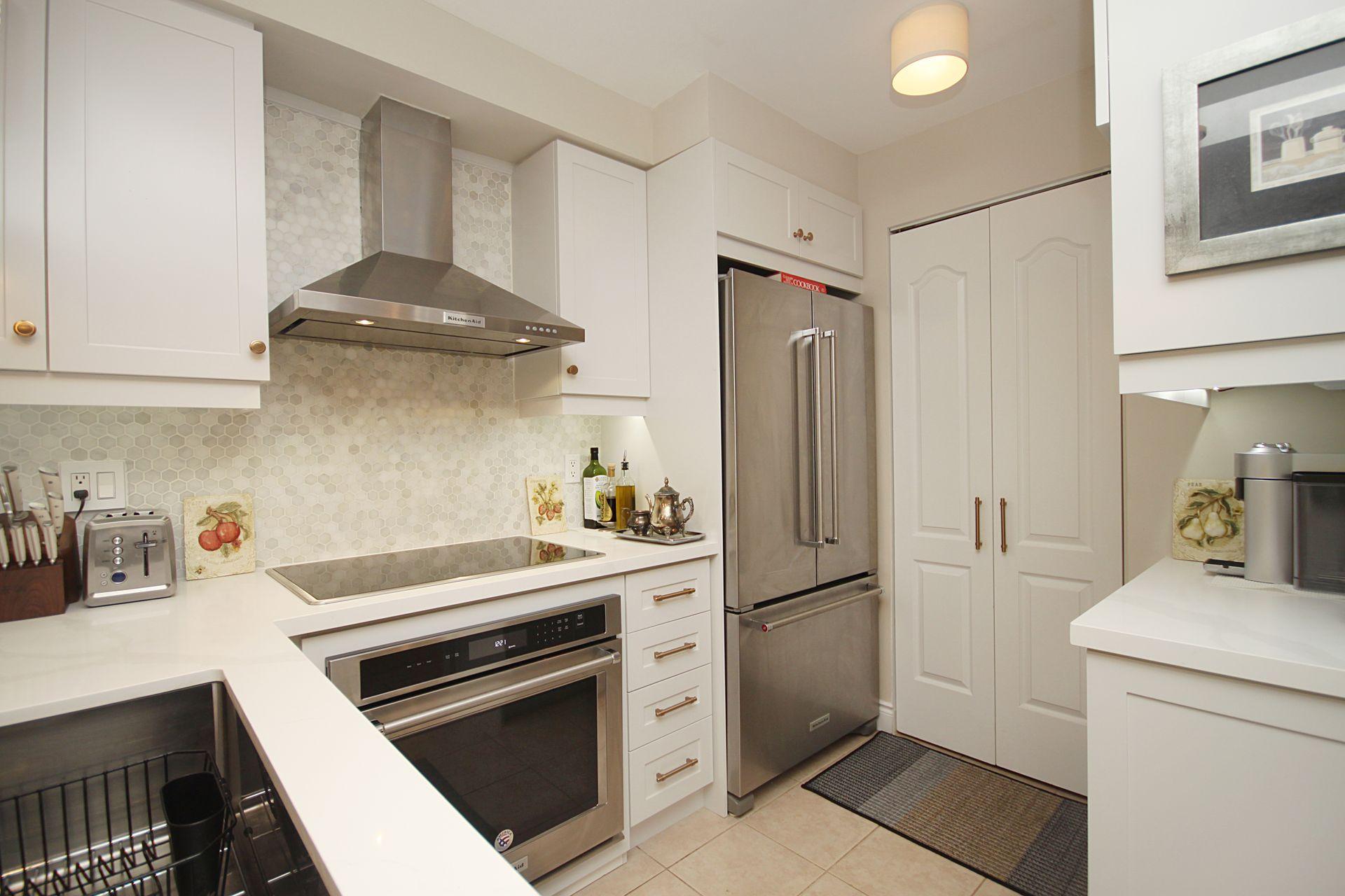 Kitchen at 310 - 28 William Carson Crescent, St. Andrew-Windfields, Toronto