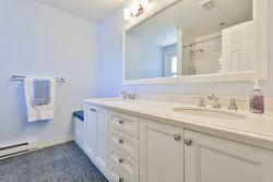 5 Piece Bathroom at 7 Deerpath Road, Parkwoods-Donalda, Toronto