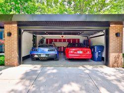 Double Car Garage at 33 Sagebrush Lane, Parkwoods-Donalda, Toronto