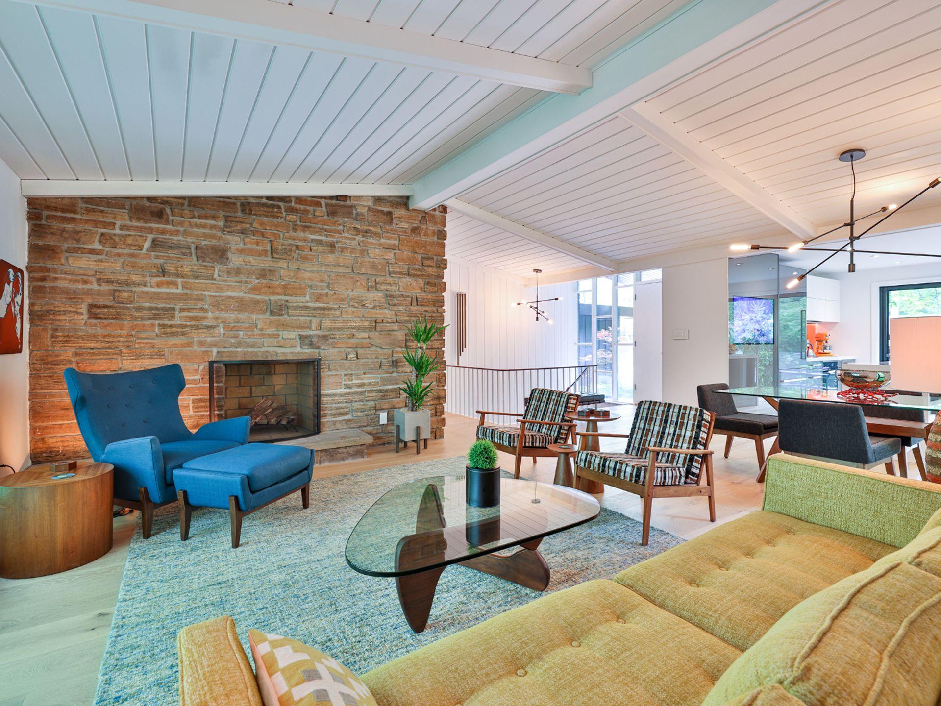 Living Room at 33 Sagebrush Lane, Parkwoods-Donalda, Toronto