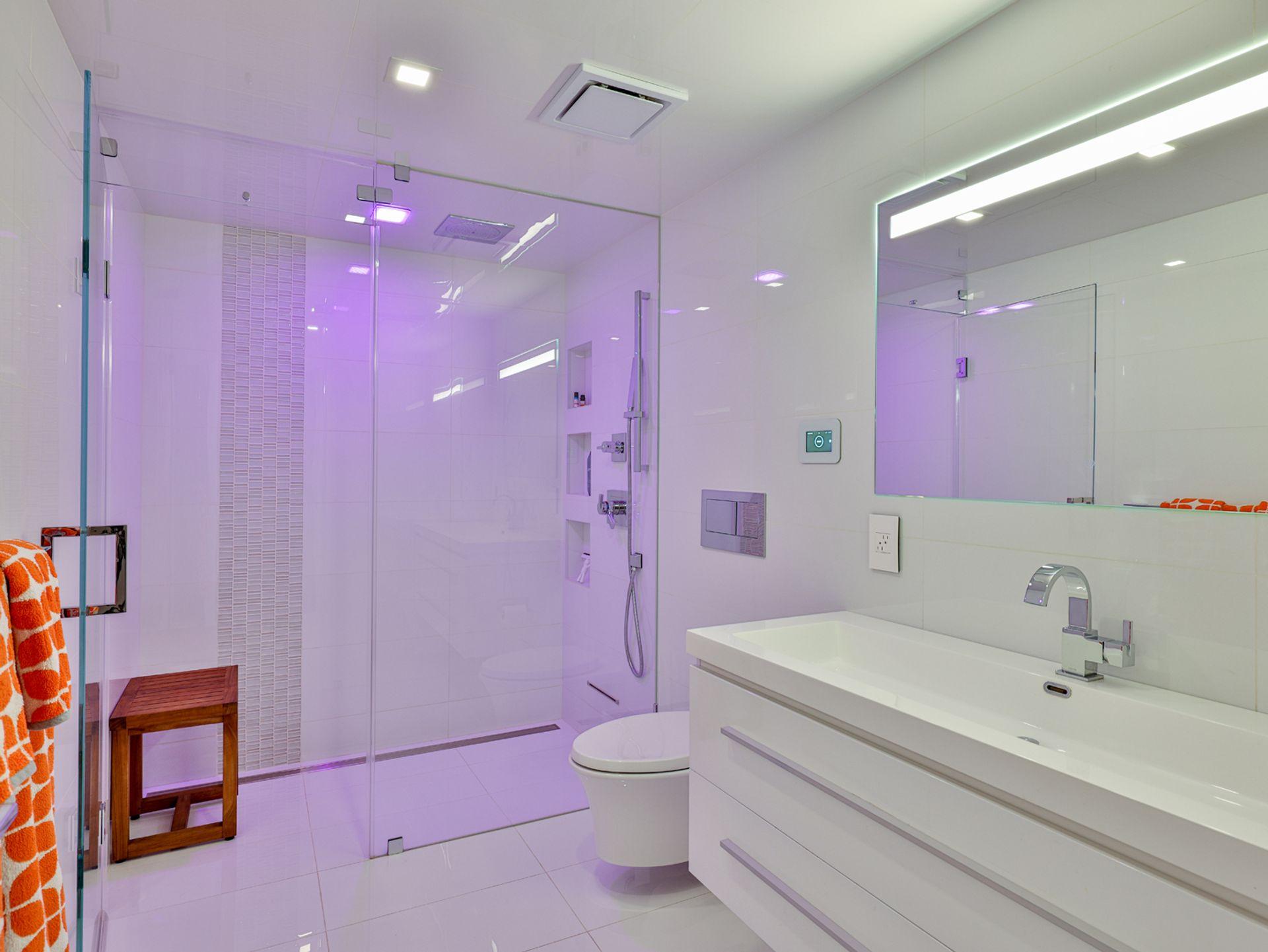 3 Piece Bathroom at 33 Sagebrush Lane, Parkwoods-Donalda, Toronto