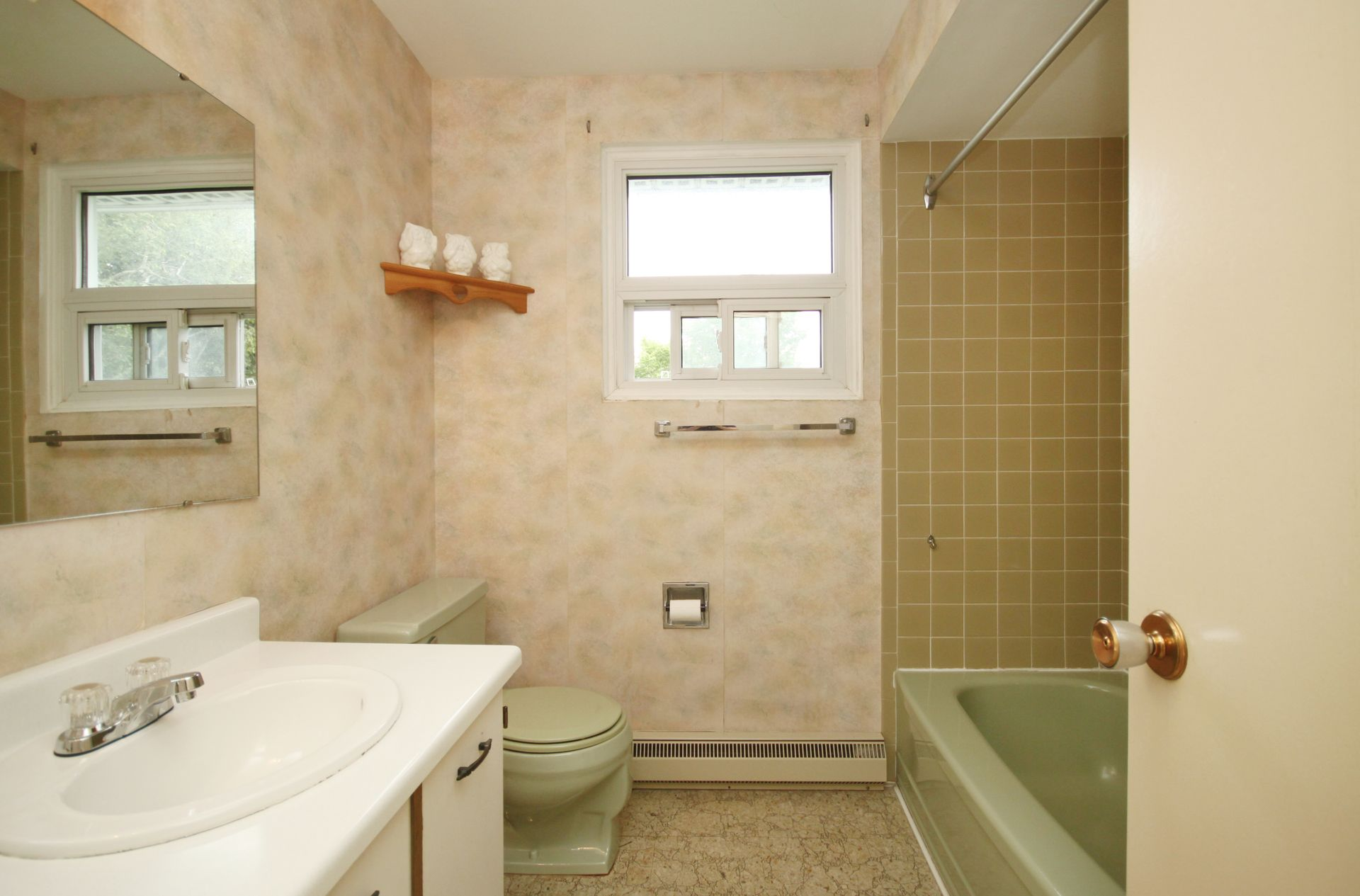 4 Piece Bathroom at 9 Deerpath Road, Parkwoods-Donalda, Toronto