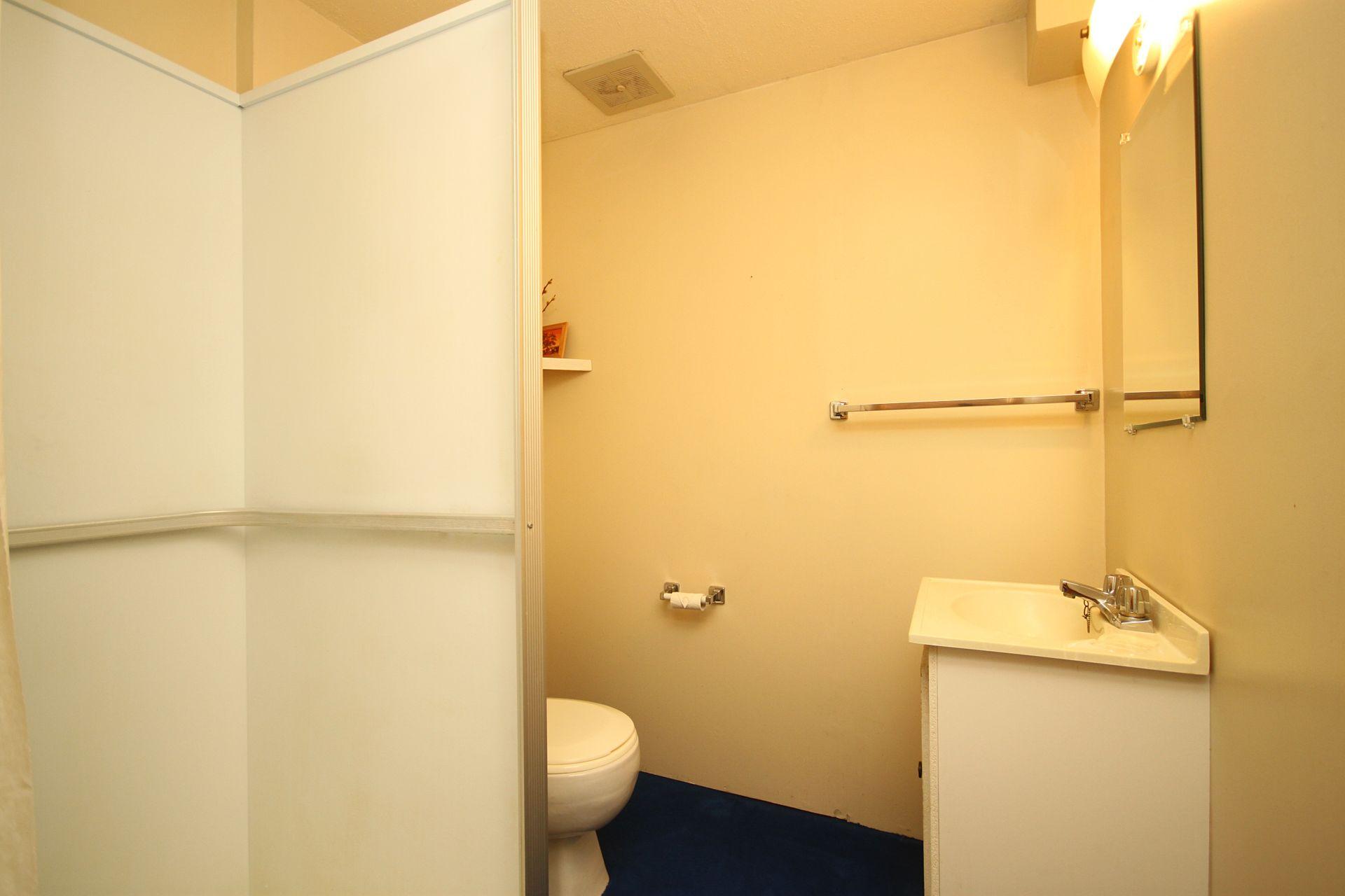 3 Piece Bathroom at 9 Deerpath Road, Parkwoods-Donalda, Toronto