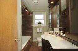 4 Piece Bathroom at 25 Fenelon Drive, Parkwoods-Donalda, Toronto