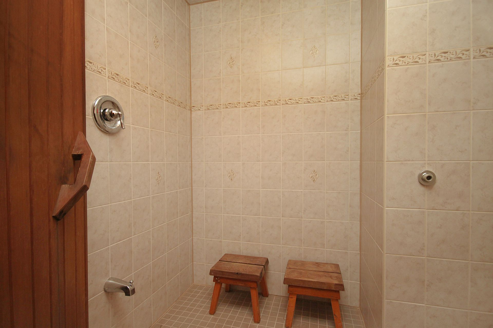 Sauna Shower at 25 Fenelon Drive, Parkwoods-Donalda, Toronto