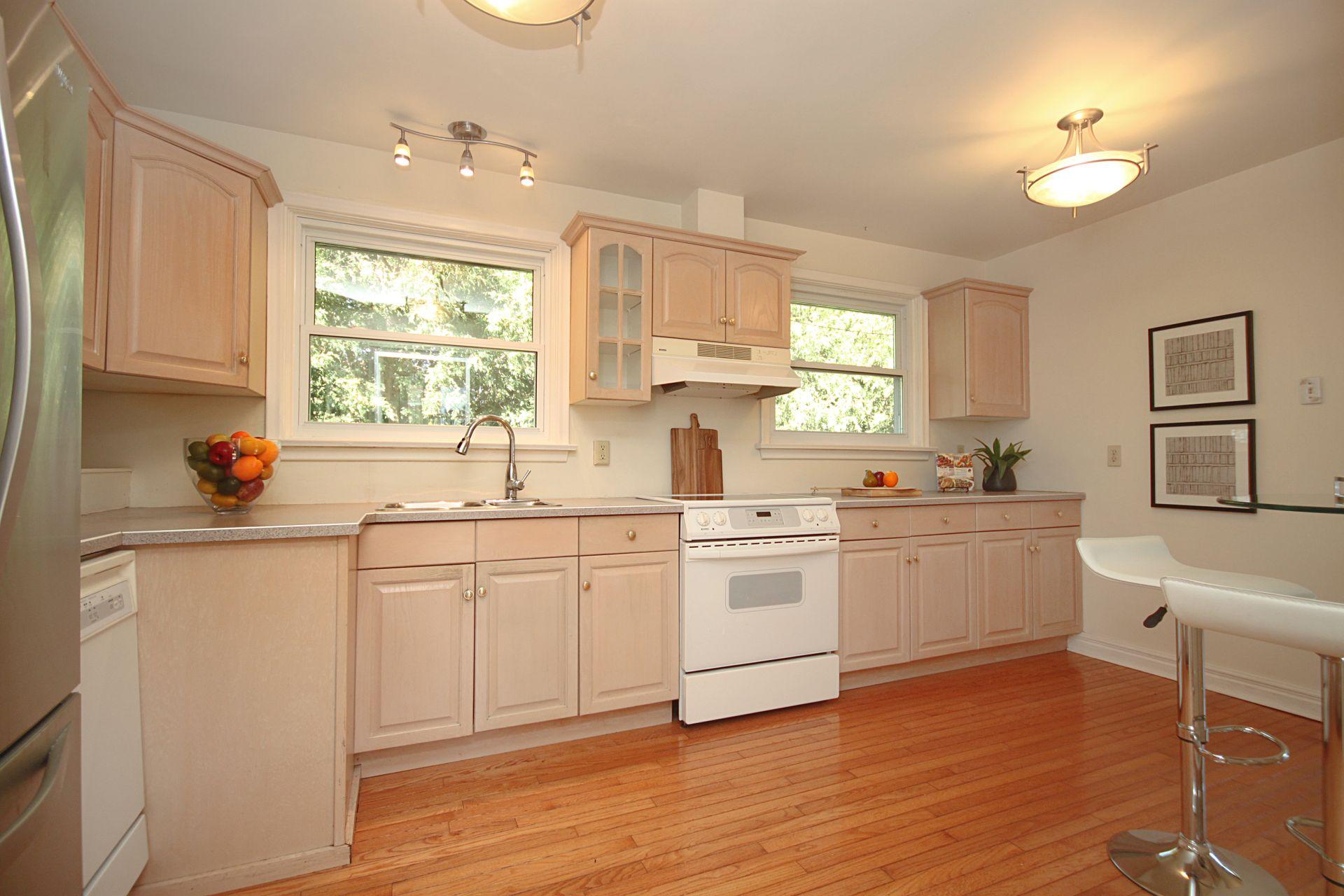 Kitchen at 25 Fenelon Drive, Parkwoods-Donalda, Toronto