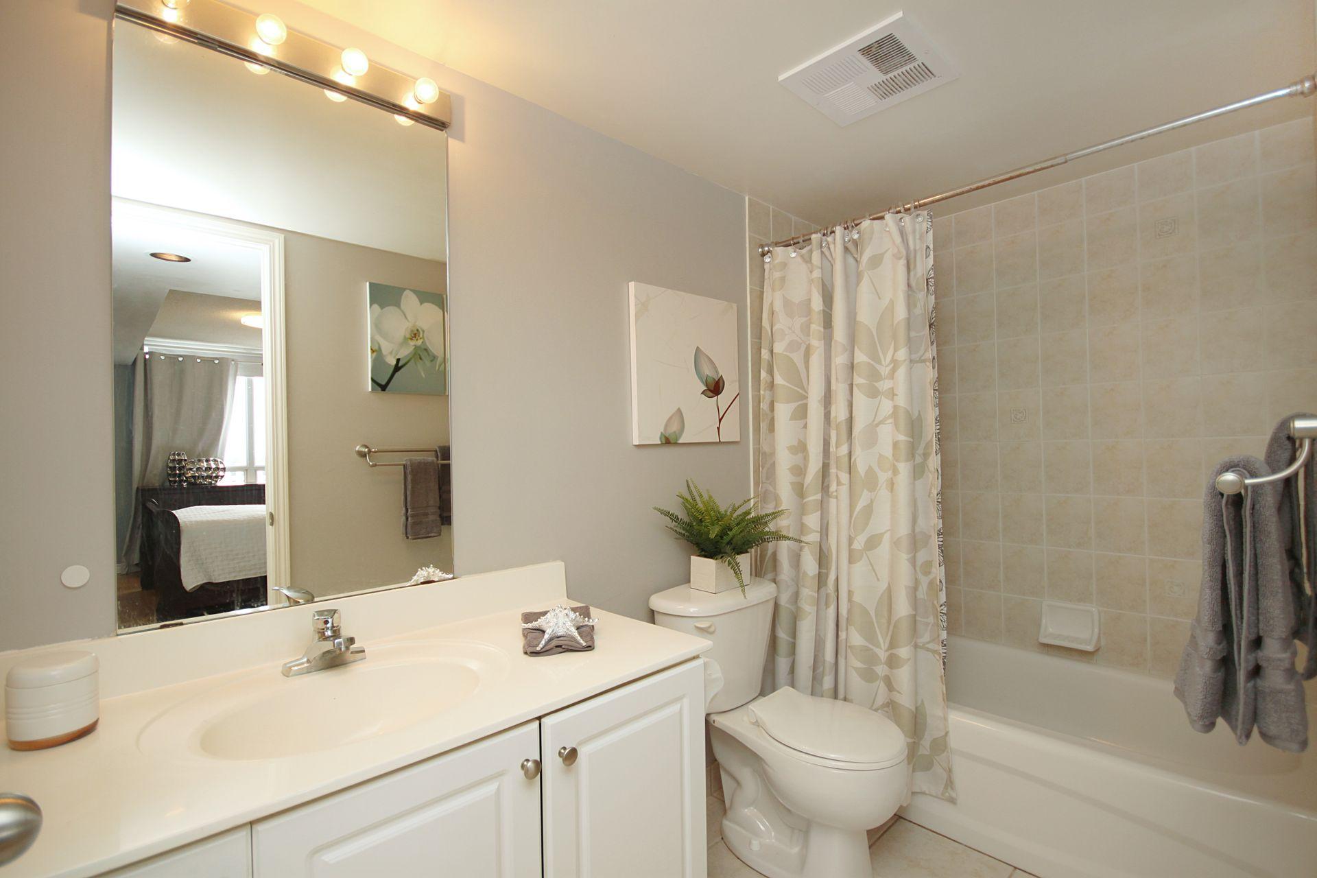 4 Piece Ensuite Bathroom at 610 - 1730 Eglinton Avenue E, Victoria Village, Toronto
