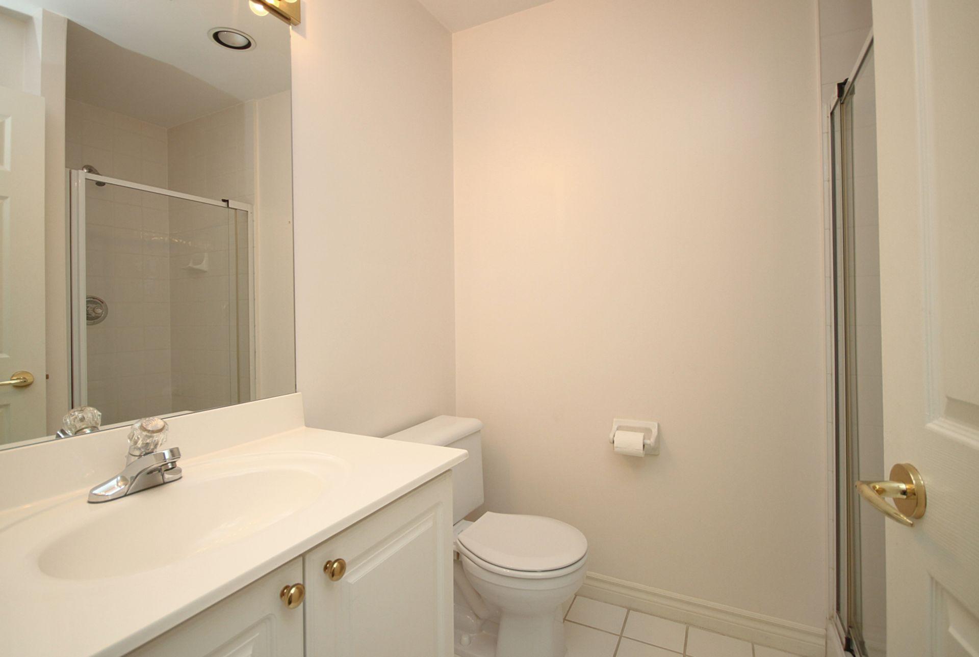 3 Piece Bathroom at 810 - 18 Concorde Place, Banbury-Don Mills, Toronto