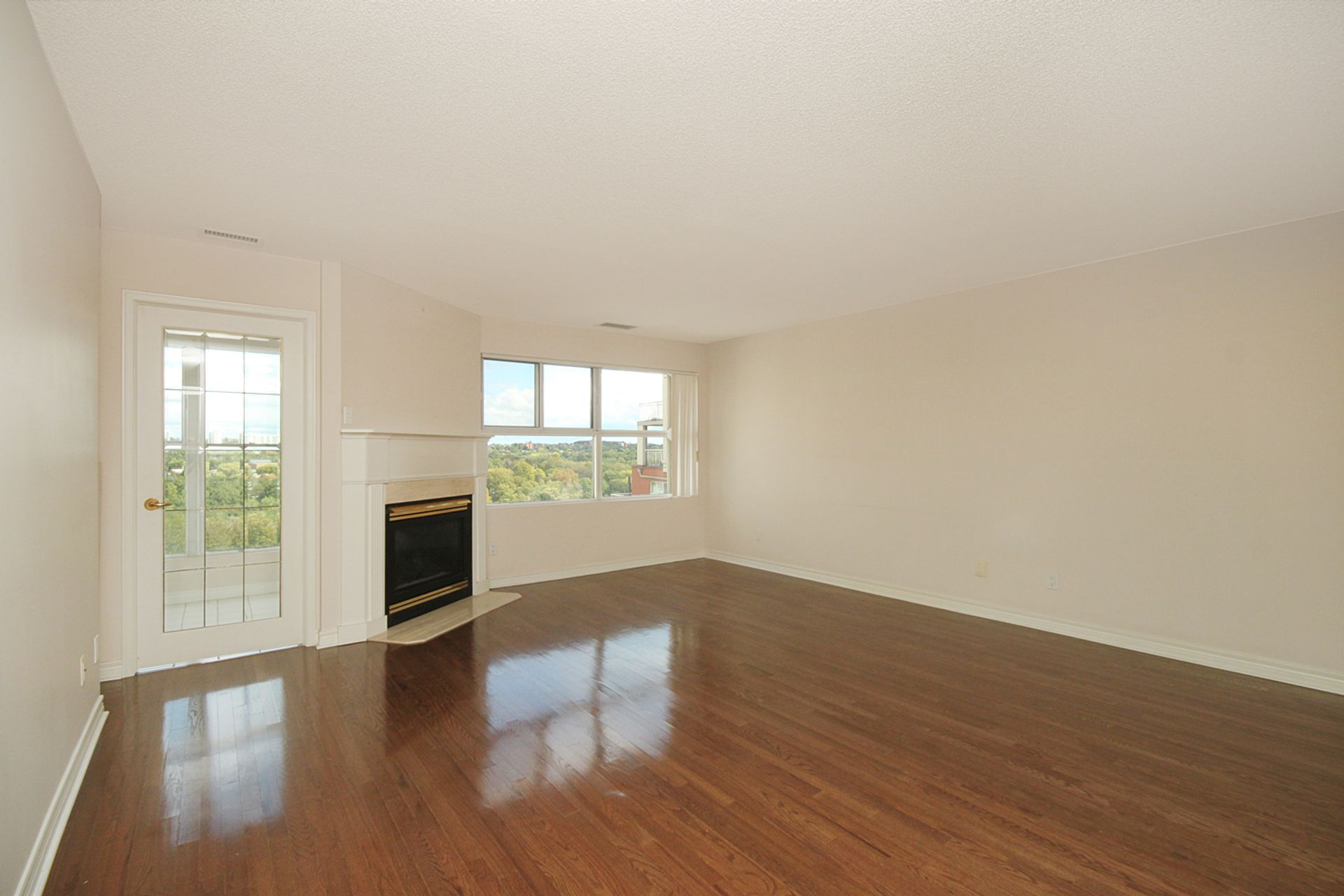 Living Room at 810 - 18 Concorde Place, Banbury-Don Mills, Toronto