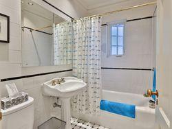 4 Piece Bathroom at 305 - 150 St. Clair Avenue W, Yonge-St. Clair, Toronto