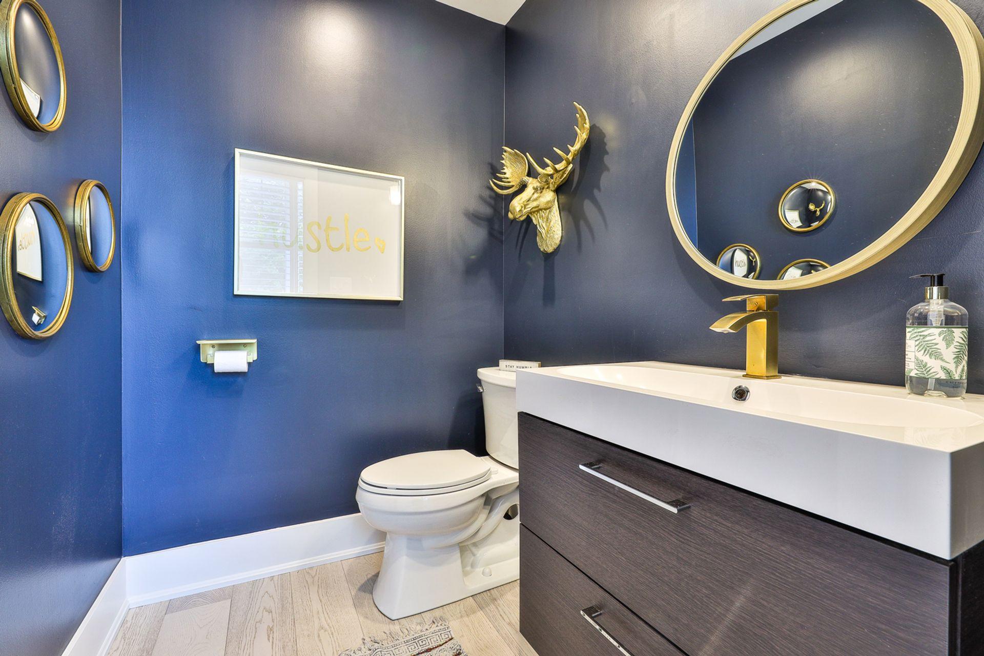 2 Piece Bathroom at 497 St. Johns Road, Lambton Baby Point, Toronto