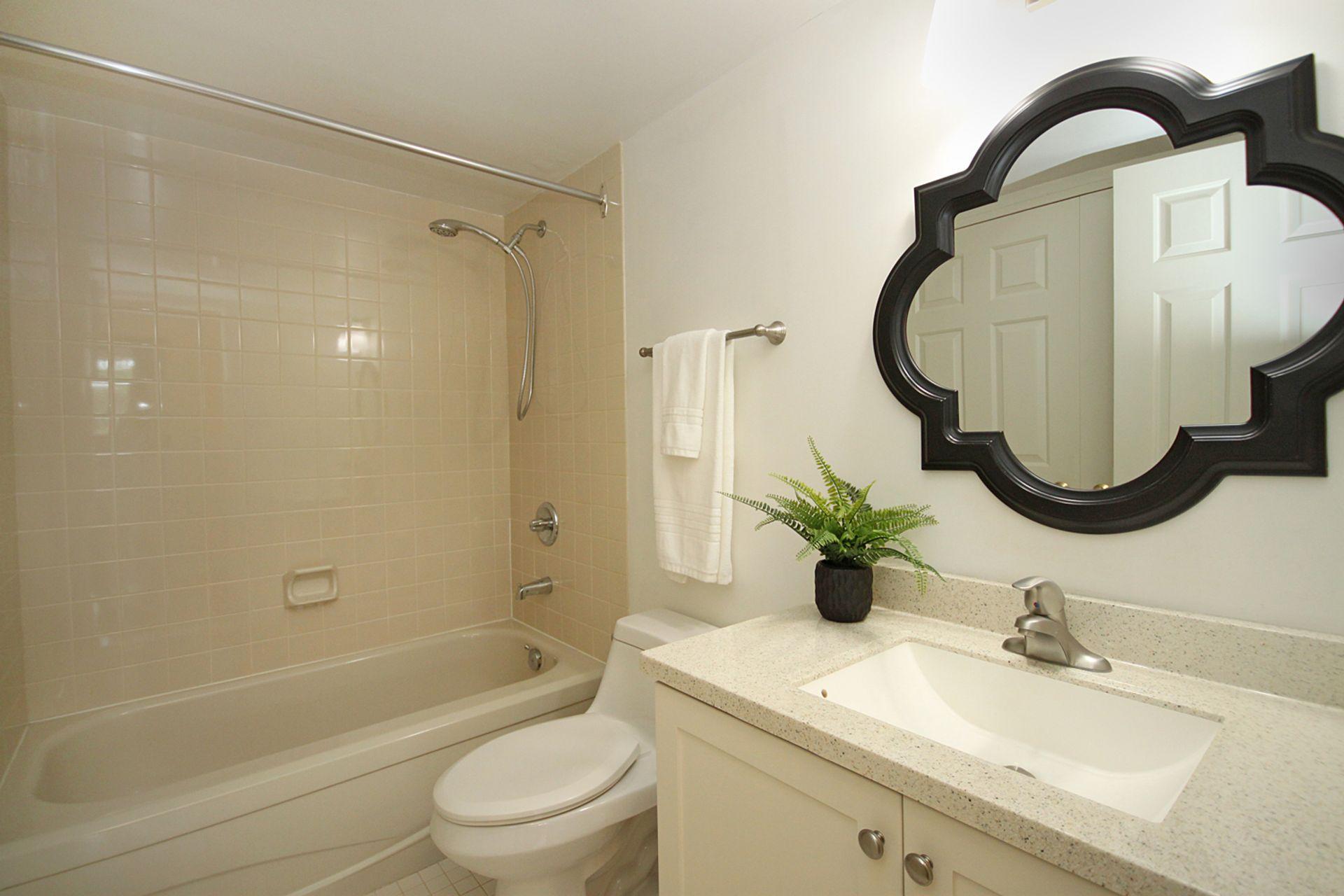 4 Piece Bathroom at 209 - 131 Beecroft Road, Lansing-Westgate, Toronto