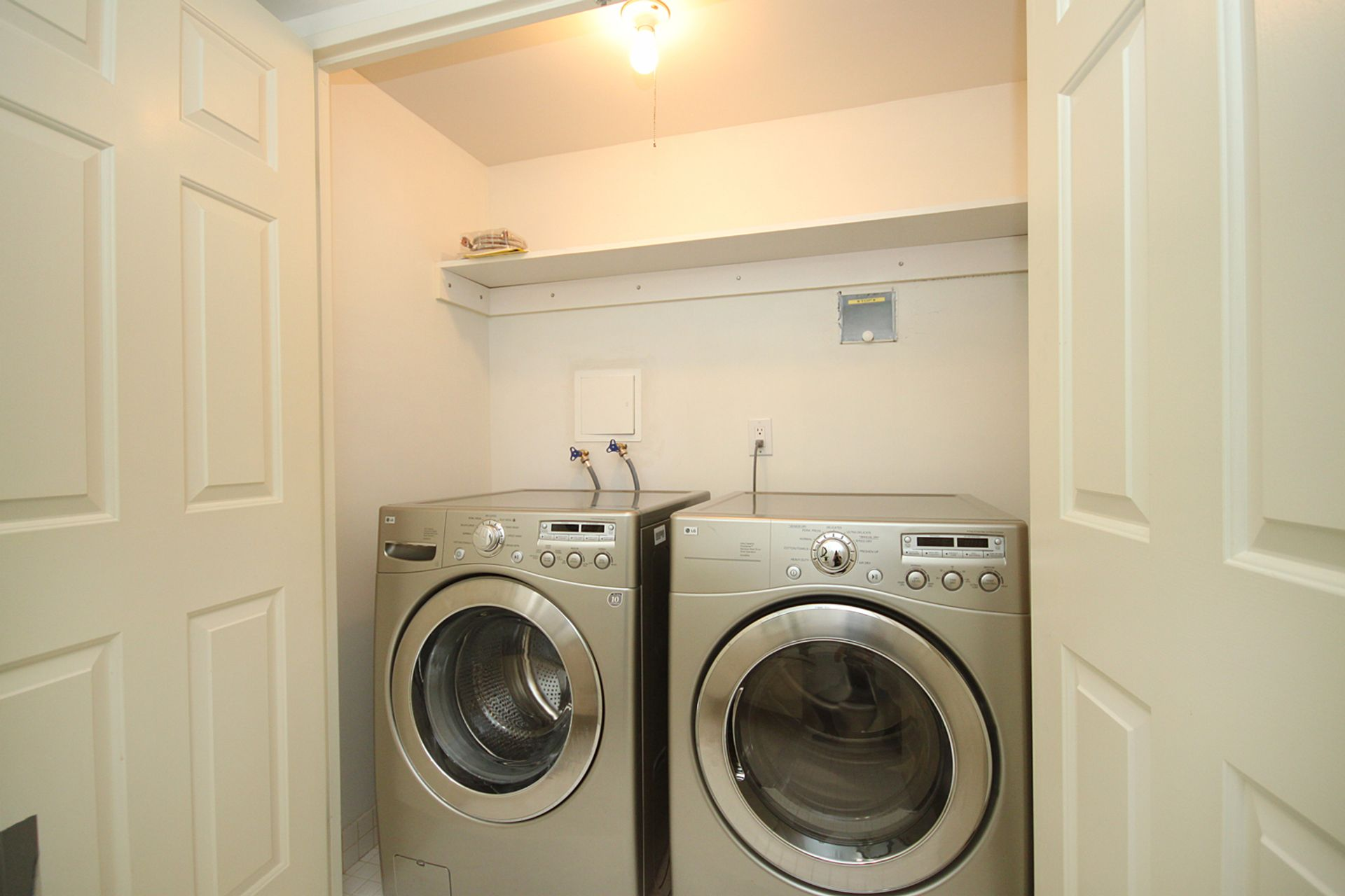 Laundry Closet at 209 - 131 Beecroft Road, Lansing-Westgate, Toronto