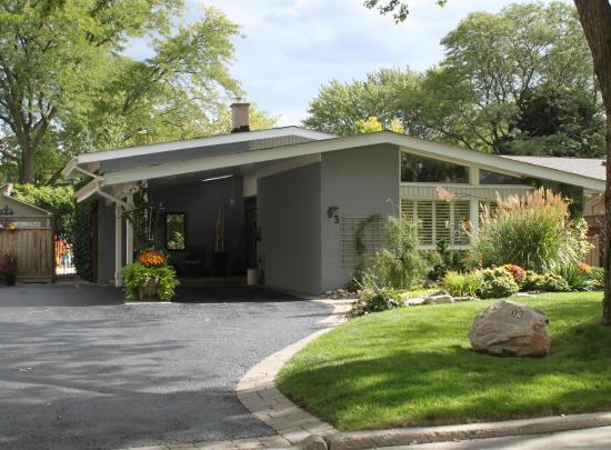 93 Three Valleys Drive, Parkwoods-Donalda, Toronto 2