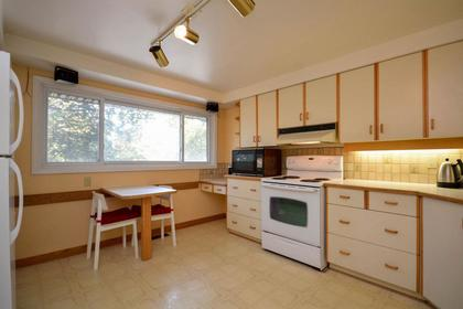Kitchen at 23 - 2 Bertona Street, Nepean, Ottawa