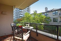 17 at 210 - 3760 West 6th Avenue, Point Grey, Vancouver West