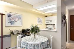 Dining at 2403 - 555 Jervis Street, Coal Harbour, Vancouver West