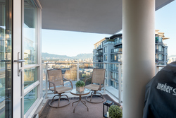 702-1675-West-8th-Ave-Vancouver-360hometours-08s-1 at 702 - 1675 8th Avenue West, Fairview VW, Vancouver West