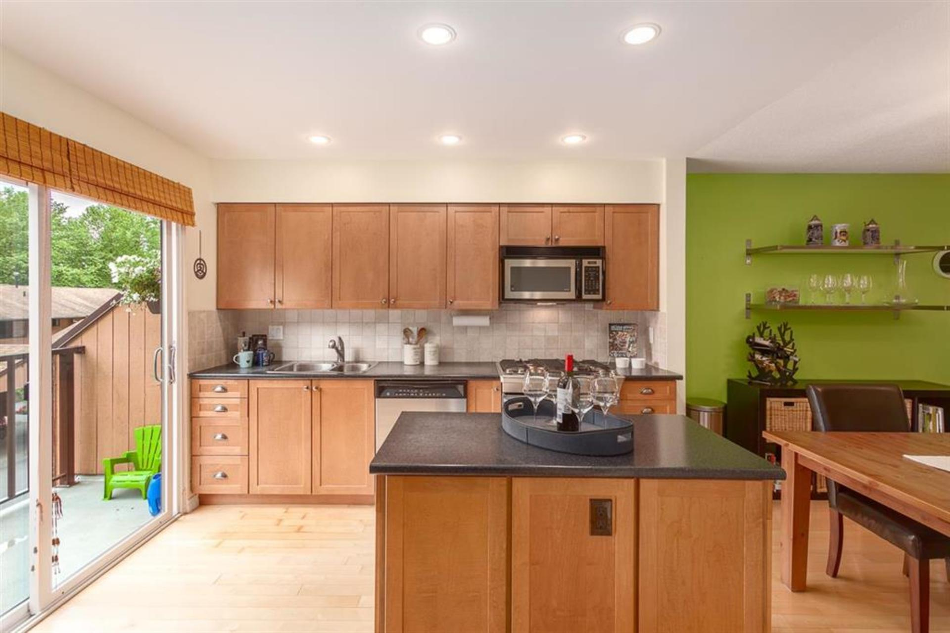 66f5cc5bfef2e532f64ded9fcf84fd71 at 1542 Mcnair Drive, Lynn Valley, North Vancouver