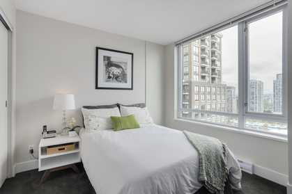 19 at 1701 - 1088 Richards Street, Yaletown, Vancouver West