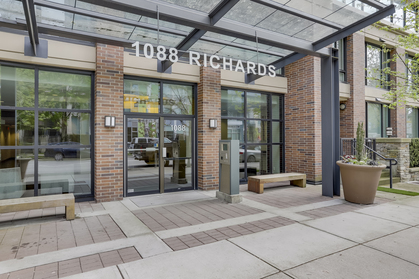 2 at 1701 - 1088 Richards Street, Yaletown, Vancouver West