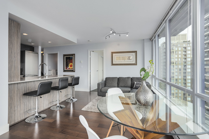 6 at 1701 - 1088 Richards Street, Yaletown, Vancouver West